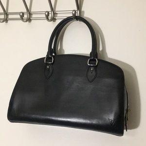 Louis Vuitton RARE epi black leather alma. Auth.